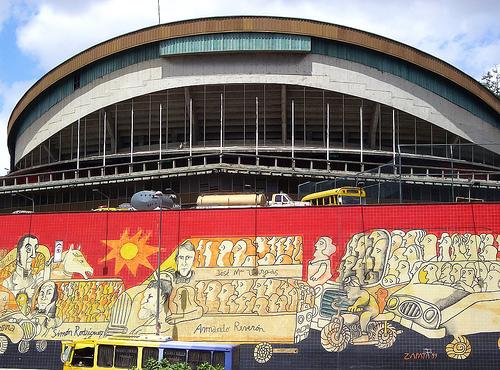 """Mural """"vozači Venecuele"""", slika korisnika flickra ruurmo, upotrebljena pod licencom Atribución-LicenciarIgual 2.0 Genérica de Creative Commons"""