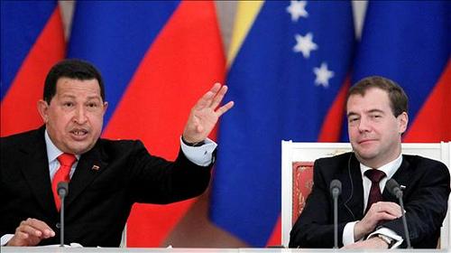 Ugo Čaves i Dimitrij Medvedev. Slika korisnika flickr Globovisión, upotrebljena pod licencom Atribución-NoComercial 3.0 Unported de Creative Commons