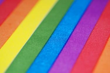 Zastava, simbol LGBT populacije. Slika korisnika neporavljiv hipik, ponovo objavljena pod Licencom CC.*