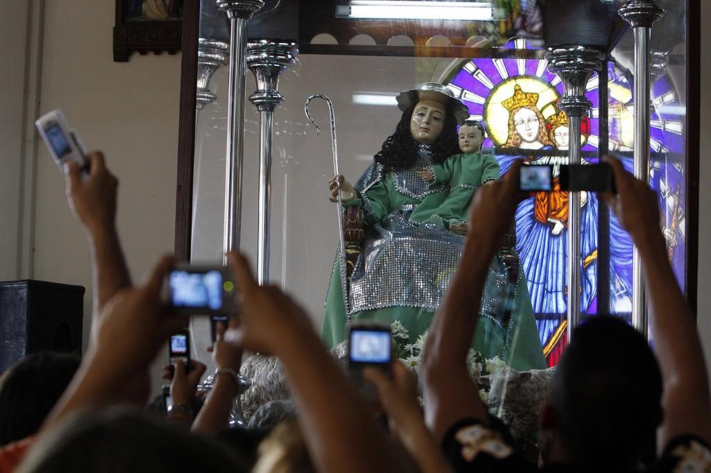 Svakog 14.januara oko milion i po vernika se okuplja da okiti Božansku pastiricu u jednoj od najvećih procesija u Venecueli. Fotografija Hoakina Ferere, Demotix copyright