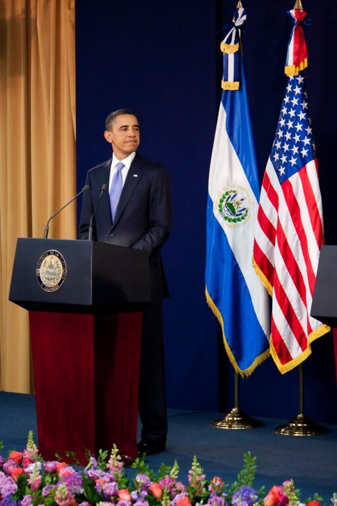 Il Presidente Barack Obama durante una conferenza stampa con il Presidente Mauricio Funes, El Salvador.
