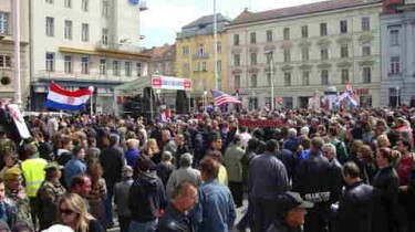 Protest in Zagreb square against The Hague verdict. Photo: Jadran Perkovic, used with permission.