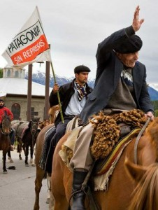 Protest for a Patagonia Without Dams. Image by Flickr user International Rivers (CC BY-NC-SA 2.0)