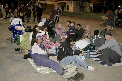 Slachtoffers in de straten van Lorca. Foto van EFE/Juan Francisco Moreno. Overgenomen van Globovisión onder de CC-Licentie.*