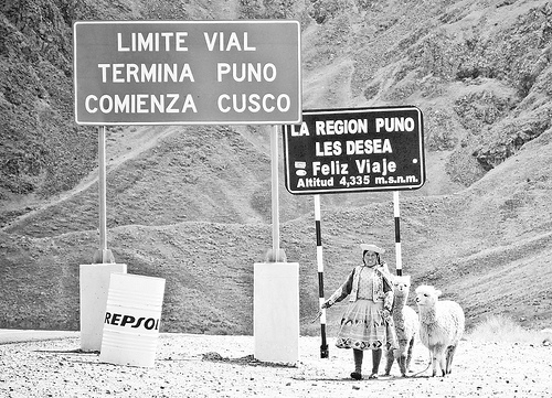 Road between Puno and Cusco blocked by Aymara in days past. Photo by Juanma Merino, Flickr user, nXpected (CC BY-NC-SA 2.0).