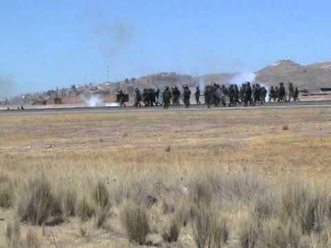 Confrontations at the Juliaca airport. Photo: Enlace Nacional.