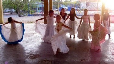 Prove di danza folcloristica.