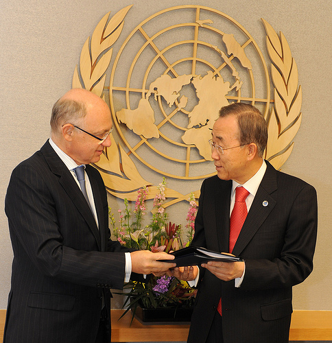 Timerman incontra Ban Ki Moon. Foto di MRECIC ARG ripresa da Flickr. Licenza Creative Commons Attribution 2.0 Generic (CC BY 2.0)