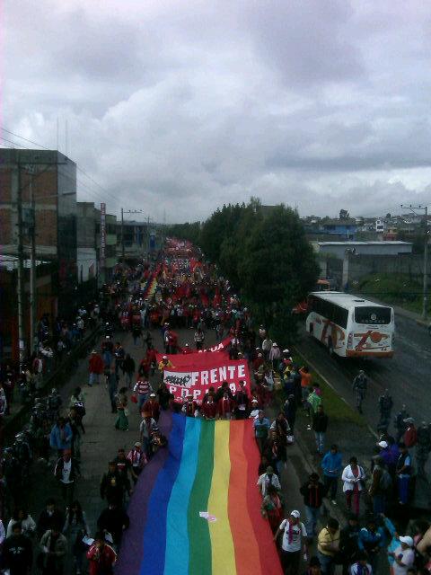 #marchavida empieza su recorrido al centro de Quito