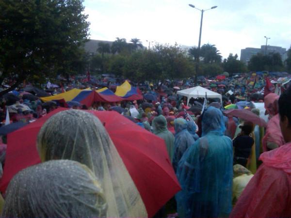 La lluvia acompaña a la #marchavida