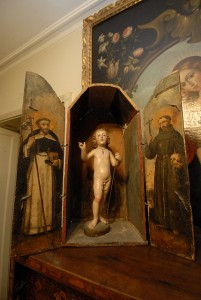 مجموعة فنية في الجامعة الكاثوليكية بشيلي. تحت رخصة المشاع الإبداعي