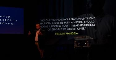 Humberto Prado, citando a Nelson Mandela durante su presentación. Derechos reservados, Flickr/MarieBW