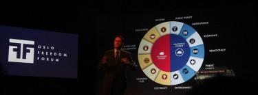 Presentación de Mauricio Rodas, fundador del Ethos Foundation. Derechos reservados, Flickr/MarieBW