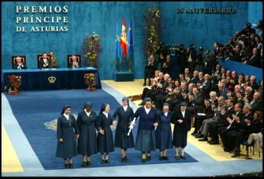 The Daughters of Charity, Prince of Asturias Award for Harmony 2005. Photo from the Prince of Asturias Foundation