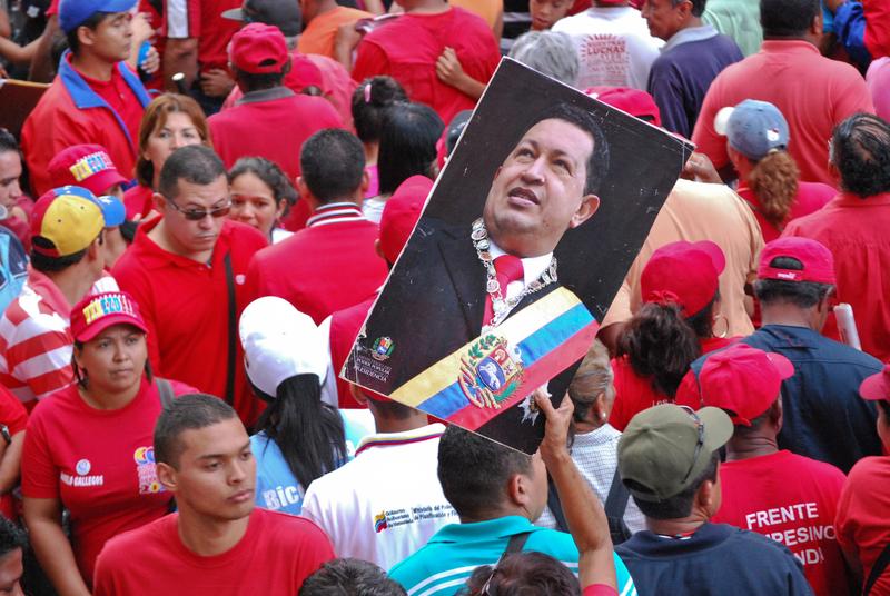 I simpatizzanti di Hugo Chávez durante uno degli eventi della campagna, il 11 giugno 2012, a Caracas.foto di Sergio Alvarez, copyright Demotix.