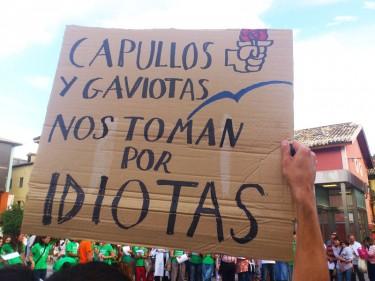 Manifestación de padres en el mes de junio. Foto de Arriel Domínguez en arainfo.org.