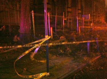 Cordones de seguridad cercaron los escombros dejados por Sandy
