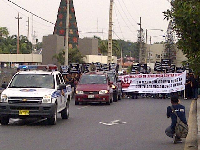 """Marcha """"No a la violencia"""" en Guayaquil, Ecuador"""