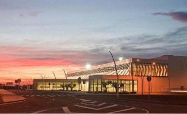 El aeropuerto de Castellón al atardecer. Foto del blog #La Campana de la Vela