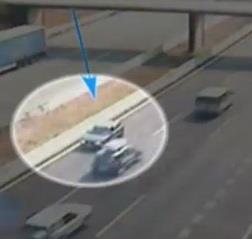 Conductor kamikaze captado por las cámaras en una autopista.