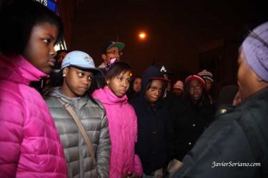 Residentes en Brooklyn se han manifestado en las calles, y la policía respondió con la ley marcial. Foto de Javier Soriano.