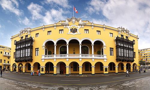 Municipalidad de Lima. Foto de usuario de Flickr CHIMI FOTOS, bajo licencia Creative Commons (CC BY-NC-SA 2.0)