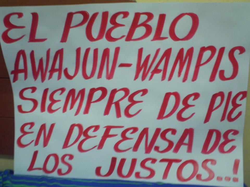 Cartel preparado para la marcha de apoyo a los acusados en Bagua. Foto de Denis Pashanase.