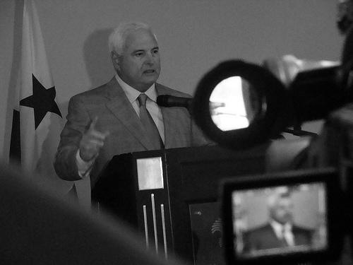 Presidente Ricardo Martinelli, foto de Luis Carlos Díaz en Flickr  (CC BY-NC 2.0)