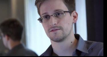 Edward Snowden. Foto tuiteada por Periódico Mundo News.