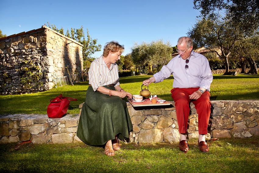 Alberto y Paola de Bélgica durante unas vacaciones. Foto del foro Cotilleando