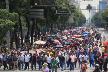 Marcha de la #CNTE avanza por reforma. Foto compartida el 28 de agosto por @reformanacional en Twitter