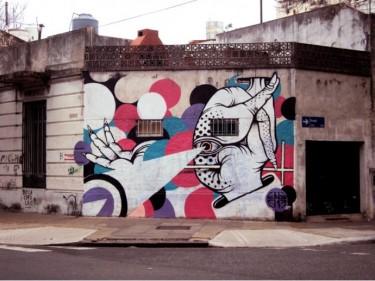 imagen de Alejandro Guerri, fotografiada en el barrio de Chacarita, Buenos Aires
