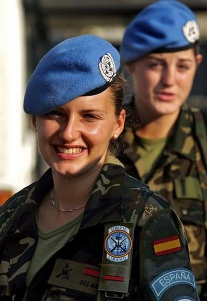 Jóvenes soldados españolas en misión de paz con la ONU. Foto del blog blogodisea.
