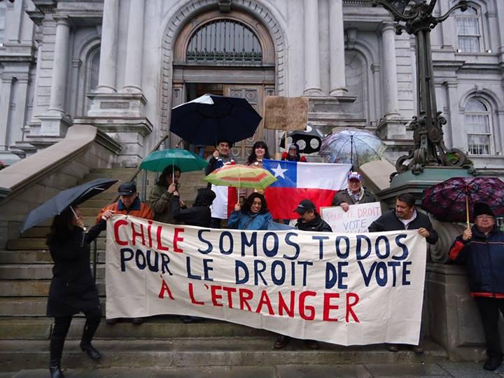 Chilenos en Montreal, Canadá exigen el derecho a votar en el extranjero. Foto compartida en la página de Facebook de Haz tu Voto Volar