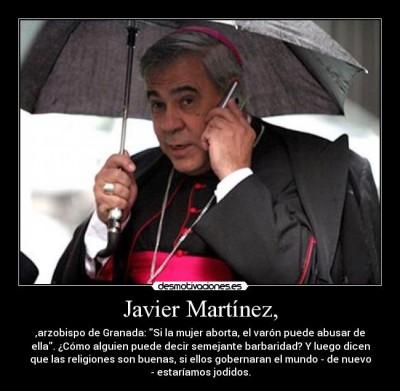 El arzobispo de Granada en una imagen subida a Desmotivaciones.es por el usuario DelicateMotherFucker