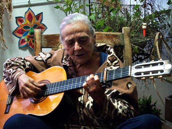 Teresita Fernández. Foto tomada de la página de Facebook dedicada a la cantautora.