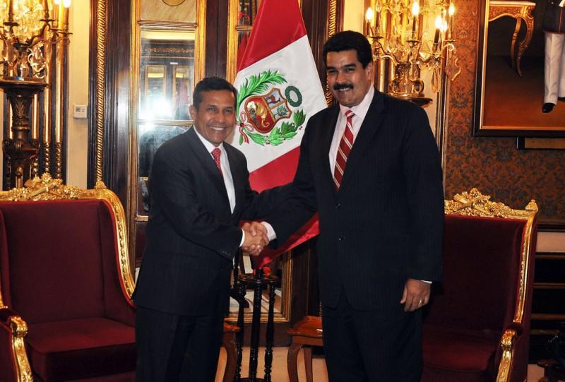 Presidente Ollanta Humala de Perú con Nicolás Maduro de Venezuela. Foto de Presidencia Perú en Flickr, bajo licencia Creative Commons (CC BY-NC-SA 2.0)