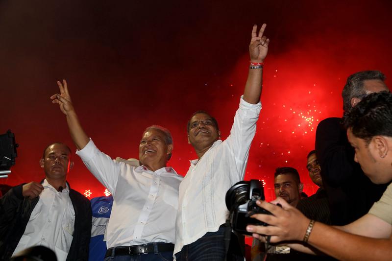 Salvador Sánchez Cerén y Oscar Ortiz del FMLN San Salvador, El Salvador. 10 de marzo, 2014. Foto por Luis Alonso López Martínez, copyright Demotix
