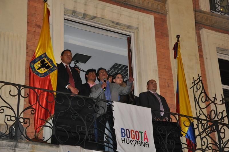 El Presidente Santos durante anuncio de destitución de Petro como alcalde de Bogotá. 19 de Marzo, 2014. Foto de Latin America Photojournalism, copyright Demotix.
