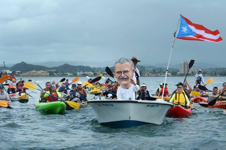 Desde el Muelle 8 en San Juan hasta la Puerta de San Juan, se hizo la travesía para acompañar a Oscar representado en el cabezudo.
