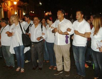 """Poetas durante el evento """"Poetas en Marcha"""" en el Viejo San Juan."""