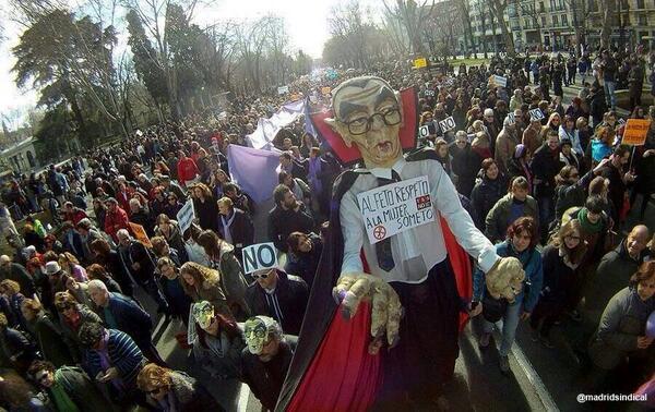 Manifestación contra la ley Gallardón del aborto, febrero de 2014. Foto subida a Twitter por Javier López