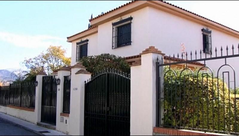 Una de las lujosas propiedades de los Romanones donde podrían haberse cometido los abusos. Captura de pantalla de un vídeo de eldiario.es, con licencia CC-BY SA 3.0