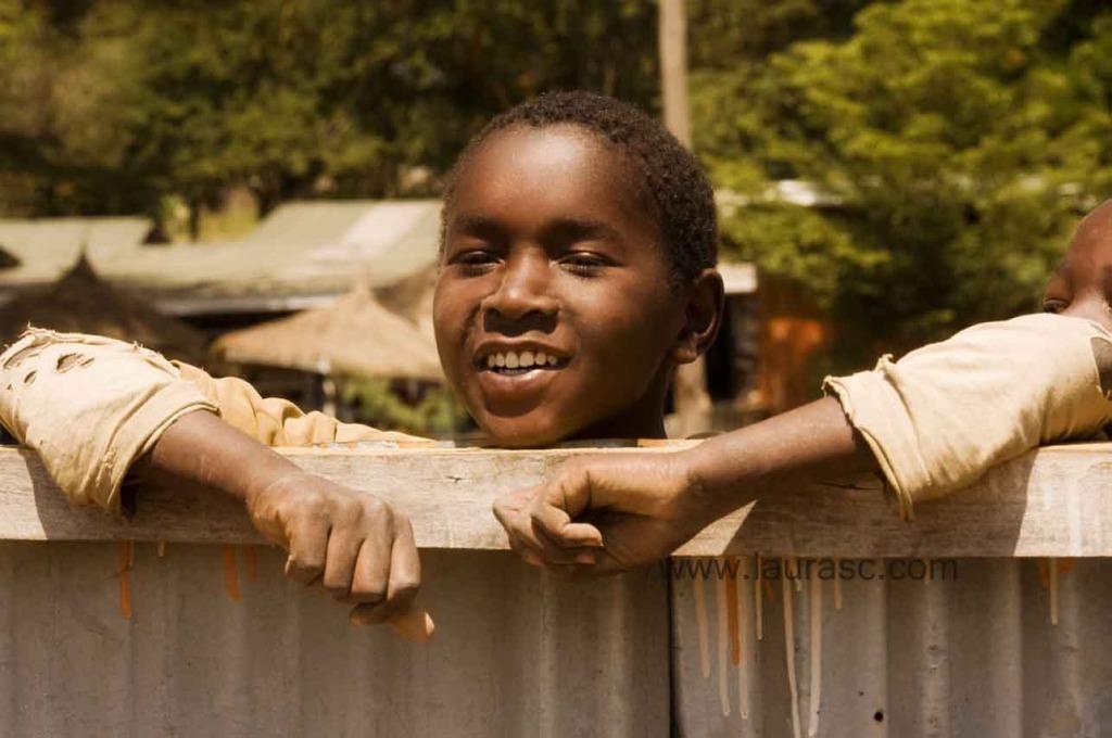 Un niño Masai – fotografía: Laura Schneider, utilizada con autorización