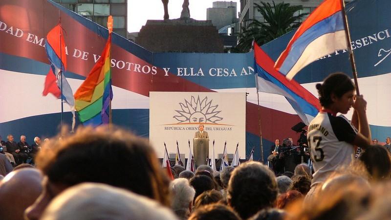Foto compartida en Flickr por Montecruz Foto de Tabaré Vázquez durante un acto de campaña.