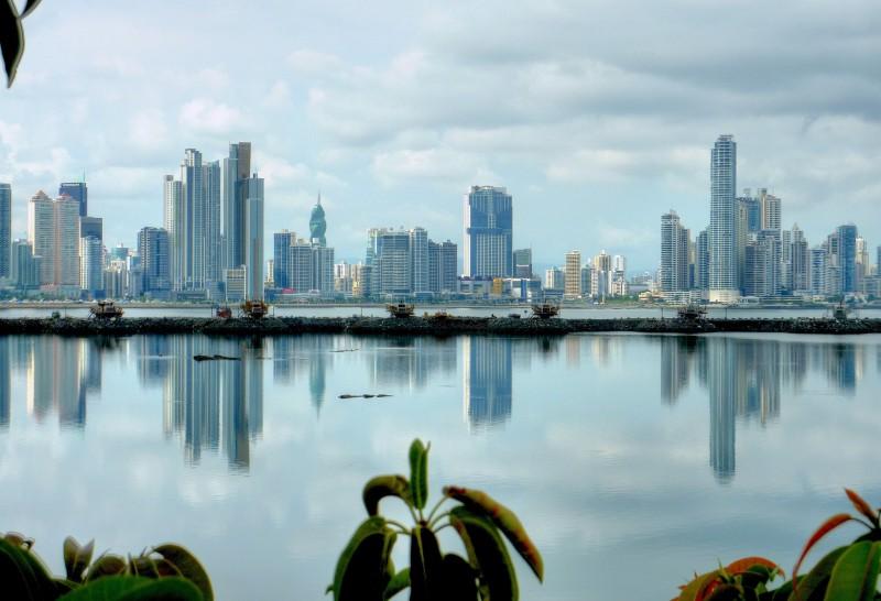"""Panamá ha sido un polo de atracción para miles de inmigrantes latinoamericanos desde la construcción de su canal interoceánico. Recientemente, su programa """"crisol de razas"""" ha generado división entre inmigrantes y residentes. Foto cortesía de Matthew Straubmuller/Flickr (CC BY 2.0)"""