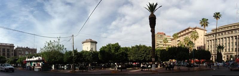 Plaza de Armas del Centro Histórico de Torreón. Imagen en Flickr del usuario ego2005 (CC BY-SA 2.0).