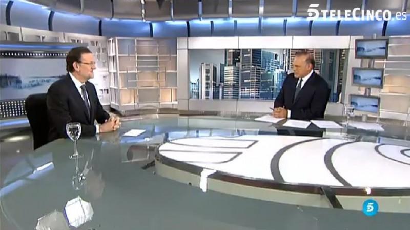 Un momento de la entrevista a Mariano Rajoy el 6 de julio. Captura de pantalla de la web de Tele5