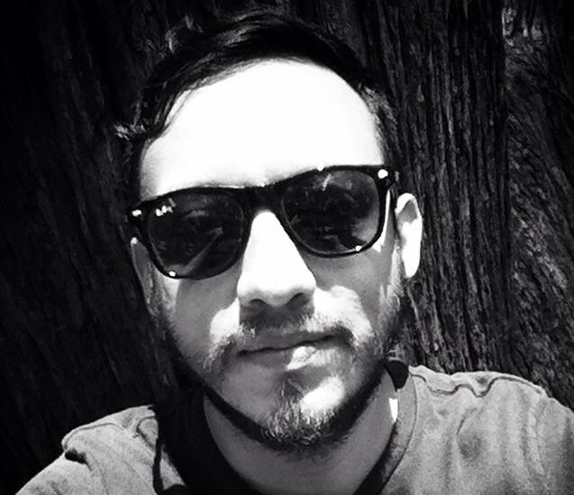 Autoportrét mexického novináře Rubéna Espinosy, jehož tělo bylo nalezeno se známkami mučení. Z twitterového účtu @espinosafoto.