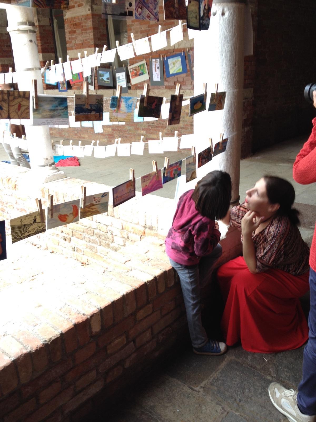 La exposición ha conmovido a mucha gente. Foto usada con permiso.